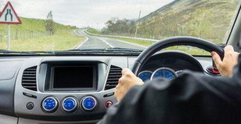 Drivers 'should have compulsory eye tests'