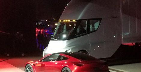 Teslas Newest Promises Break the Laws of Batteries