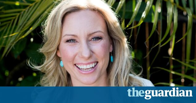 Justine Damond shooting: prosecutor delays decision on charging police officer