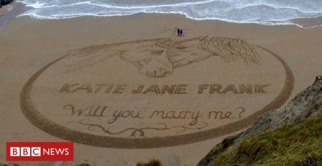 Australian finds Welsh beach for proposal